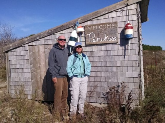 Beach Ambassadors Lisa Meeks and Paul Anderson before helping to plant 2,500 seedlings